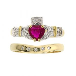 ashford-5-stone-claddagh-wedding-set-in-14-karat-yellow-gold-and-ruby