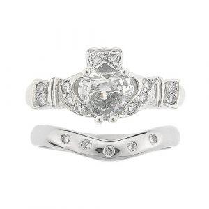 ashford-diamond-claddagh-5-stone-wedding-set-in-platinum