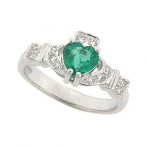 ashford-emerald-claddagh-ring-in-18-karat-white-gold