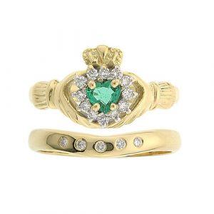 cashel-5-stone-claddagh-wedding-set-in-14-karat-yellow-gold-and-emerald