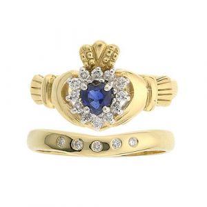 cashel-5-stone-claddagh-wedding-set-in-18-karat-yellow-gold-and-sapphire