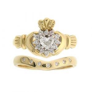 cashel-7-stone-claddagh-wedding-set-in-18-karat-yellow-gold-and-diamond