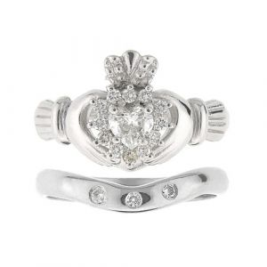 cashel-damond-claddagh-ring-wedding-set