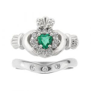 cashel-emerald-claddagh-ring-wedding-set-in-white-gold