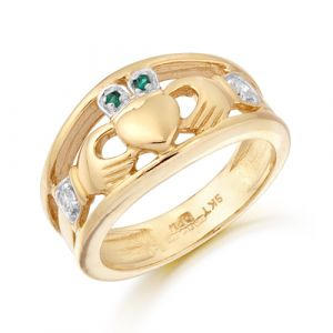 faux-emerald-wide-band-claddagh-ring-in-9-karat-yellow-gold