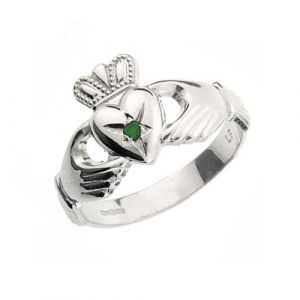 gents-claddagh-ring-in-10-karat-white-gold-with-emerald