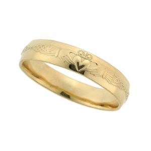gents-domed-celtic-wedding-band-in-18-karat-yellow-gold
