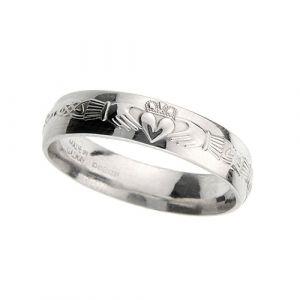 gents-domed-celtic-wedding-ring-in-18-karat-white-gold