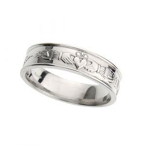 gents-flat-celtic-wedding-ring-in-platinum