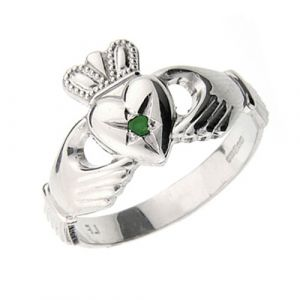 gents-platinum-claddagh-ring-with-emerald