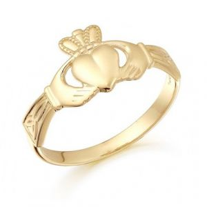 gold-claddagh-and-trinity-ring