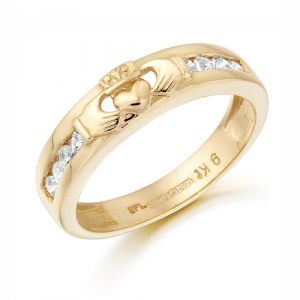 gold-claddagh-motif-band-with-clear-cubic-zirconia