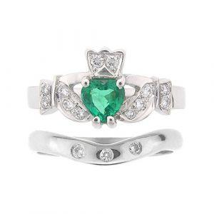kinvara-3-stone-claddagh-wedding-set-in-14-karat-white-gold-emerald
