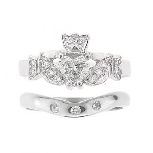 kinvara-3-stone-claddagh-wedding-set-in-18-karat-white-gold-and-diamond
