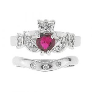 kinvara-3-Stone-claddagh-wedding-set-in-18-karat-white-gold-and-ruby