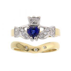 kinvara-3-stone-claddagh-wedding-set-in-18-karat-yellow-gold-and-sapphire