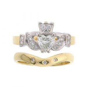 kinvara-3-stone-wedding-set-in-18-karat-yellow-gold-and-diamond