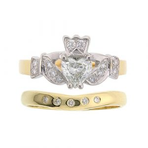 kinvara-5-stone-claddagh-wedding-set-in-18-karat-yellow-gold-and-diamond-1