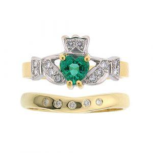 kinvara-5-stone-wedding-set-in-18-karat-yellow-gold-emerald