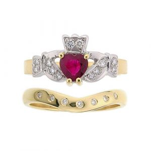 kinvara-7-stone-wedding-set-in-14-karat-yellow-gold-and-ruby
