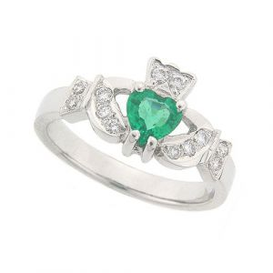 kinvara-claddagh-ring-in-14-karat-white-gold-and-emerald