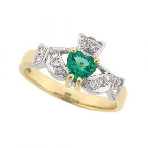 kinvara-claddagh-ring-in-18kt-yellow-gold-and-emerald