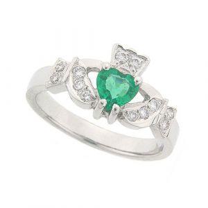 kinvara-emerald-claddagh-ring-hand-made-in-18-karat-white-gold