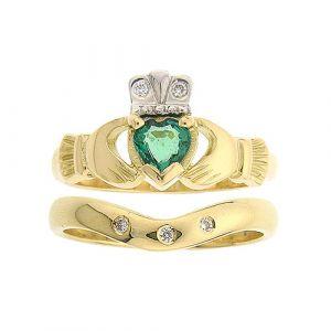 kylemore-3-stone-claddagh-wedding-set-in-14-karat-yellow-gold-and-emerald