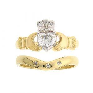 kylemore-3-stone-claddagh-wedding-set-in-18-karat-yellow-gold-and-diamond