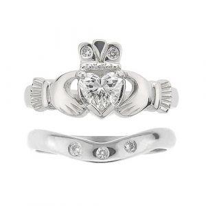 kylemore-3-stone-claddagh-wedding-set-in-platinum-and-diamond