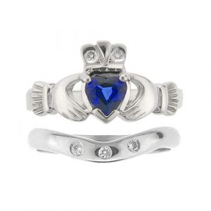 kylemore-3-stone-claddagh-wedding-set-in-platinum-and-sapphire