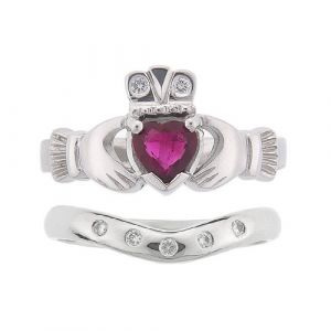 kylemore-5-stone-claddagh-wedding-set-in-platinum-and-ruby
