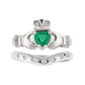 kylemore-7-stone-claddagh-wedding-set-in-18-karat-white-gold-and-emerald