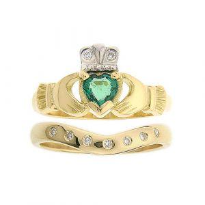 kylemore-7-stone-claddagh-wedding-set-in-18-karat-yellow-gold-and-emerald