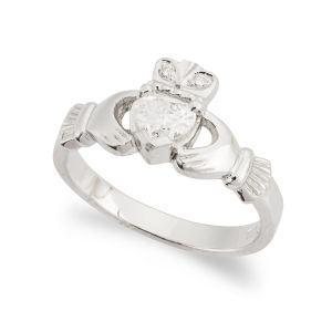 kylemore-claddagh-ring-in-platinum-and-diamond