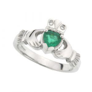 kylemore-emerald-claddagh-ring-in-14-karat-white-gold
