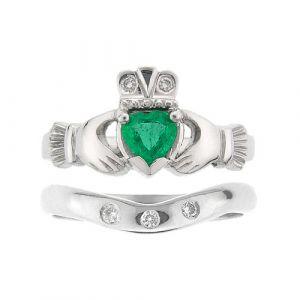 kylemore-emerald-claddagh-wedding-set-in-14-karat-white-gold