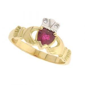 kylemore-ruby-claddagh-ring-in-18-karat-yellow-gold