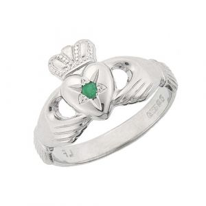 ladies-emerald-claddagh-ring-in-18kt-white-gold