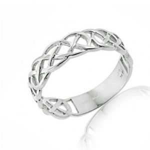 ladies-interlace-celtic-ring-in-white-gold