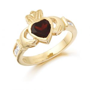 large-gold-claddagh-ring-with-deep-red-cz