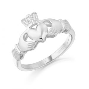 maidens-medium-weight-white-gold-claddagh-ring
