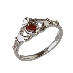 Modern-January-Birthstone-Claddagh-Ring