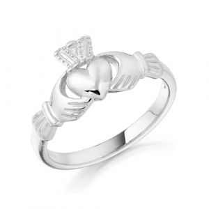 petite-white-gold-claddagh-ring