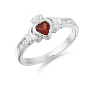 small-white-gold-claddagh-ring-with-deep-red-cz