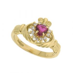 The-Cashel-Claddagh-Ring-in-14kt-yellow-gold-and-ruby