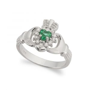 Cashel-Emerald-Claddagh-Ring-in-18kt-white-Gold