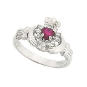 cashel-claddagh-ring-in-18kt-white-gold-and-ruby