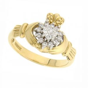 The-Cashel-Claddagh-Ring-in-18kt-yellow-gold-&-diamond