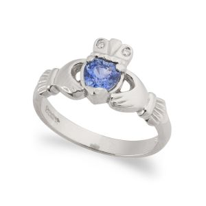 kylemore-sapphire-claddagh-ring-in-18kt-white-gold